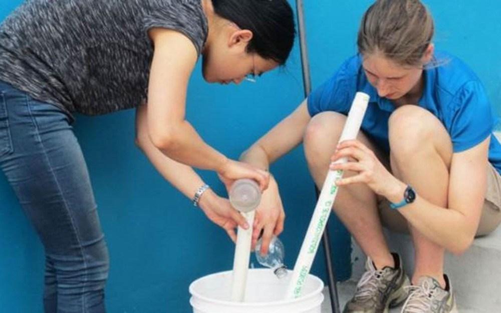 Estudantes de engenharia e outras disciplinas de Cornell viajam a Honduras com o projeto AguaClara